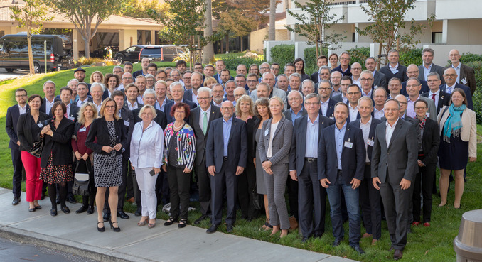 Group Photo with the Minister President: Over 100 delegation members travelled with Minister President Winfried Kretschmann and Minister of Science, Theresia Bauer, to California and Ontario – along with Prof. Dr. Harald Riegel, Vice President of Aalen University.
