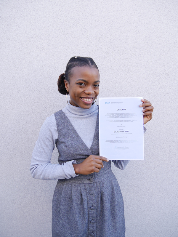 Michelle Loicka Kounga, Bachelor student in Electrical Engineering, received the DAAD-Prize.